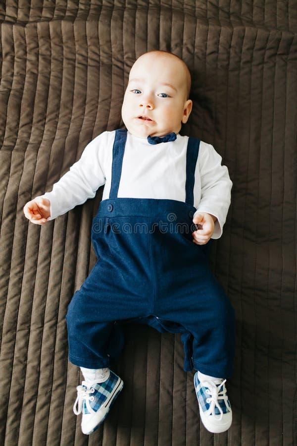 Bebé elegante imagenes de archivo