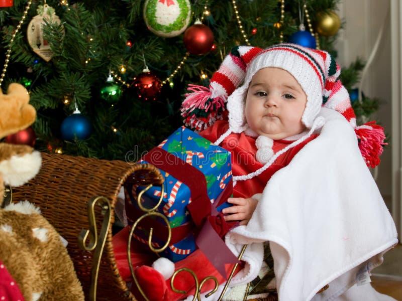 Bebé en la Navidad fotos de archivo