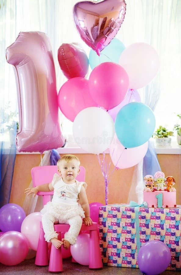 Bebé en su primer cumpleaños fotos de archivo libres de regalías