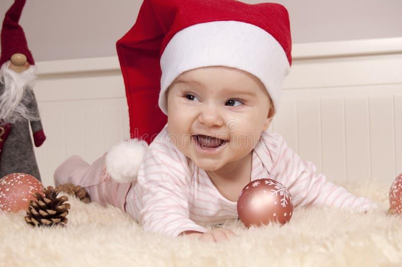 Bebé en tema de Navidad foto de archivo libre de regalías