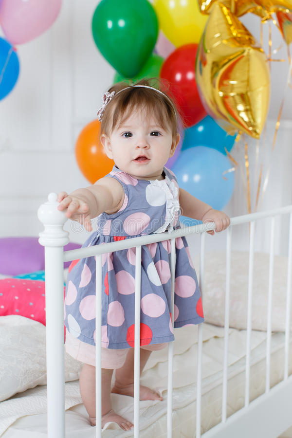 Bebé feliz en su primer cumpleaños foto de archivo libre de regalías