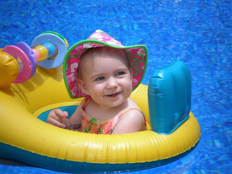 Bebé flotando fotos de archivo libres de regalías