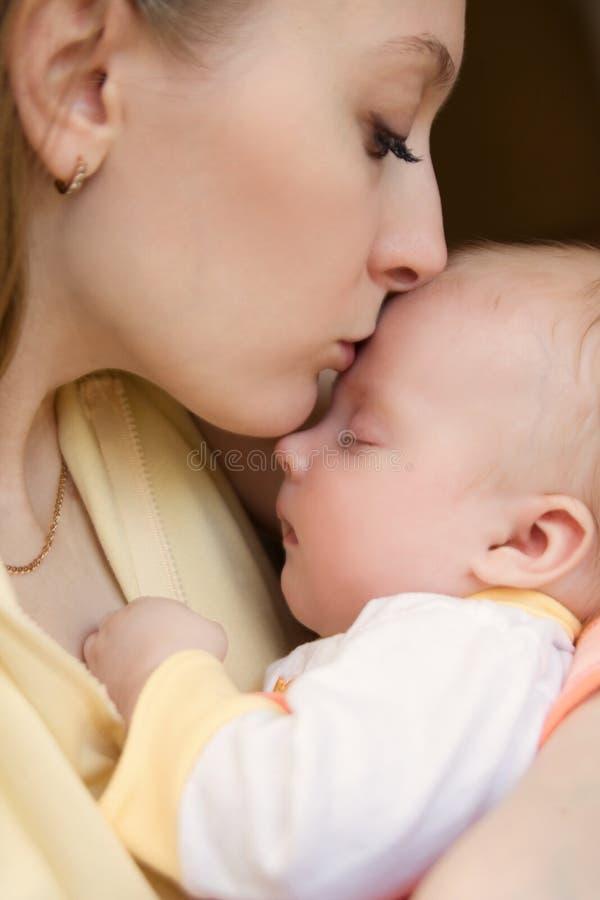 Bebé hermoso de tres meses fotografía de archivo
