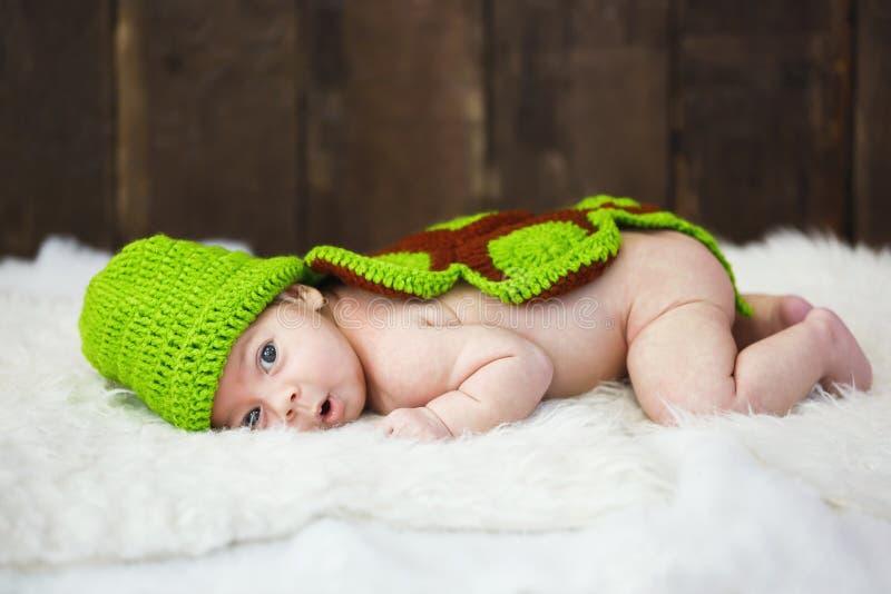 Bebé lindo en estudio fotos de archivo libres de regalías