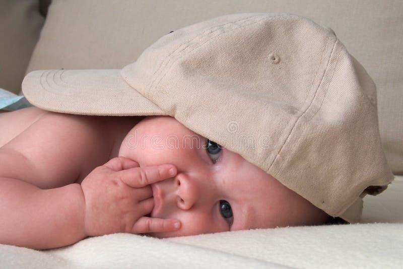 Bebé pensativo fotografía de archivo libre de regalías