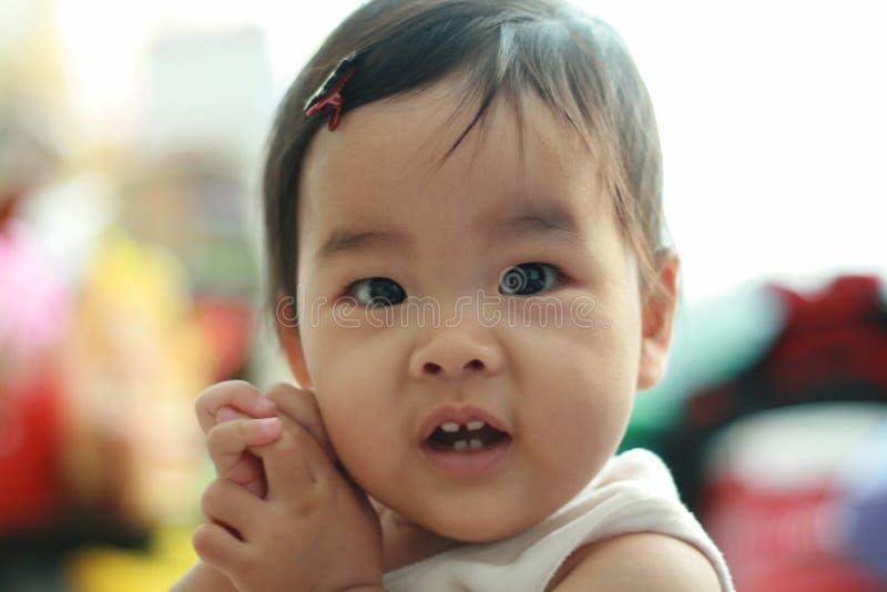 Bebé pequeno bonito imagem de stock royalty free