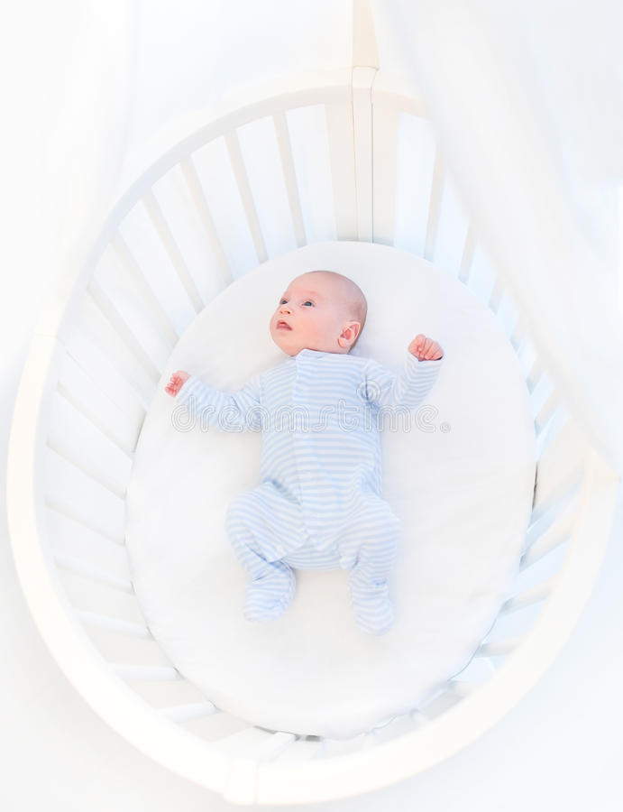 Atractivo De Encargo Del Bebé Pesebres Muebles Imagen - Muebles Para ...