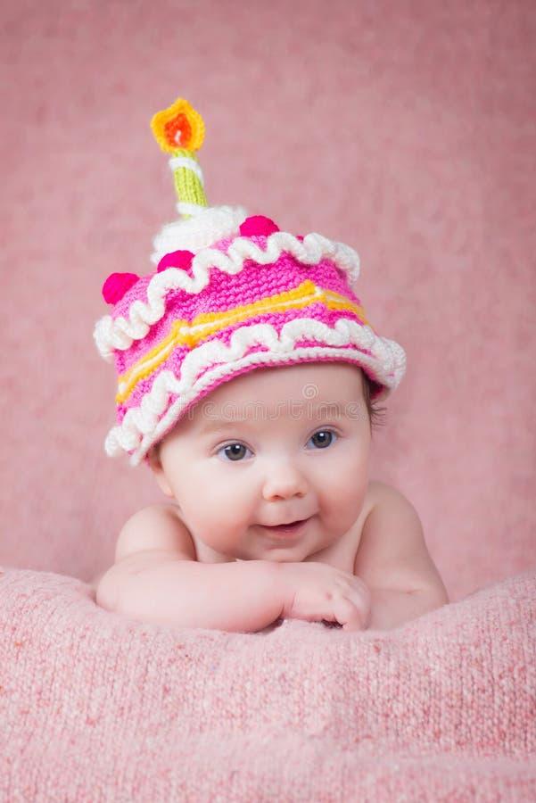 Único Sencillo Modelo Que Hace Punto El Sombrero Recién Nacido Foto ...