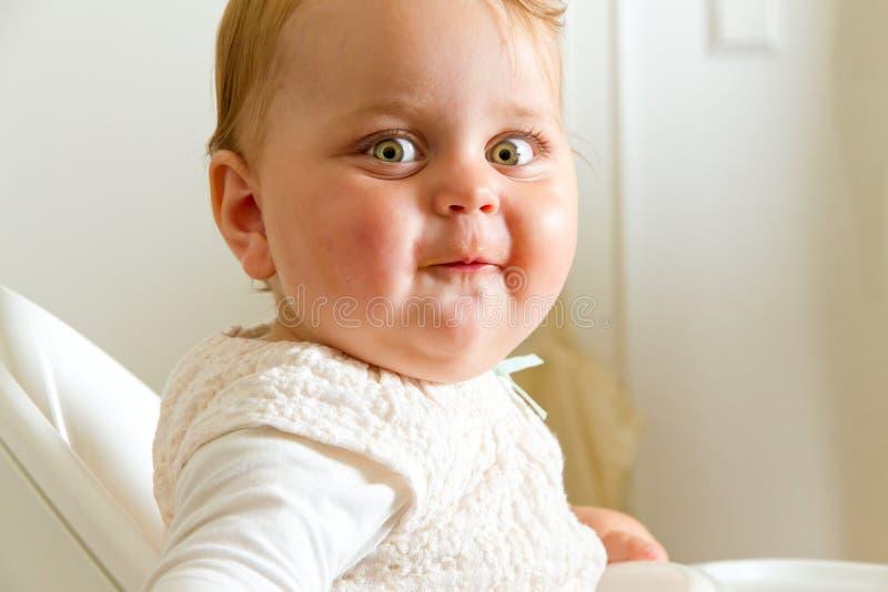 Bebé sonriente imágenes de archivo libres de regalías