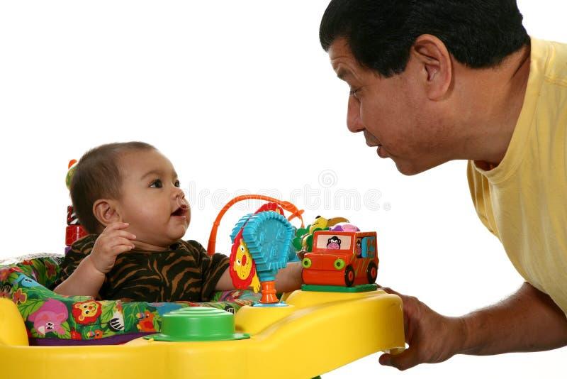 Bebé y papá foto de archivo libre de regalías