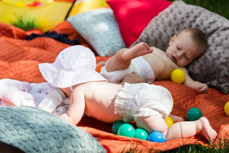 Bebés lindos imagen de archivo