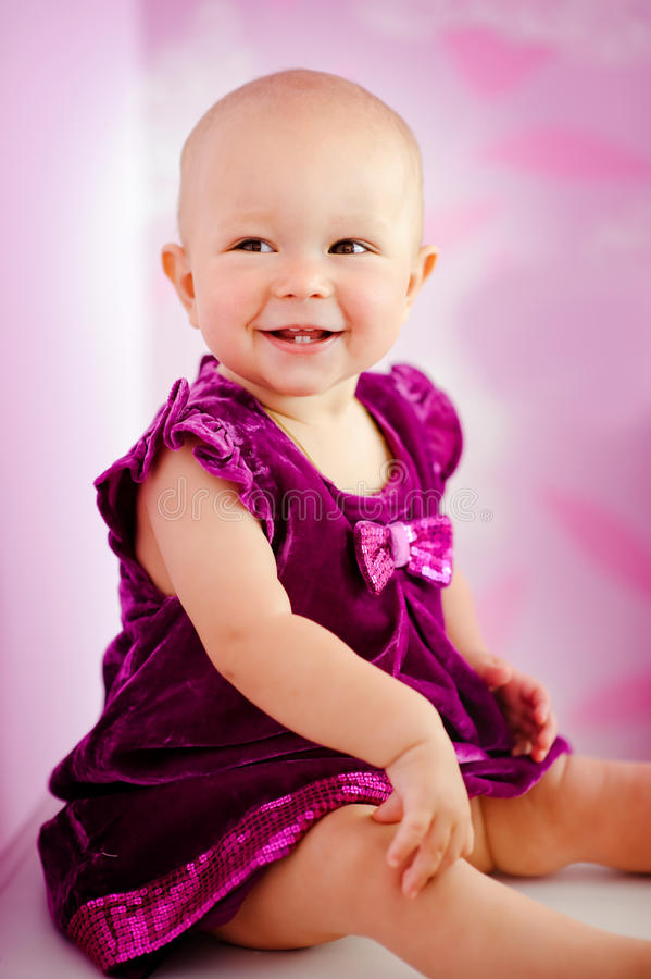 Bebê adorável feliz fotos de stock