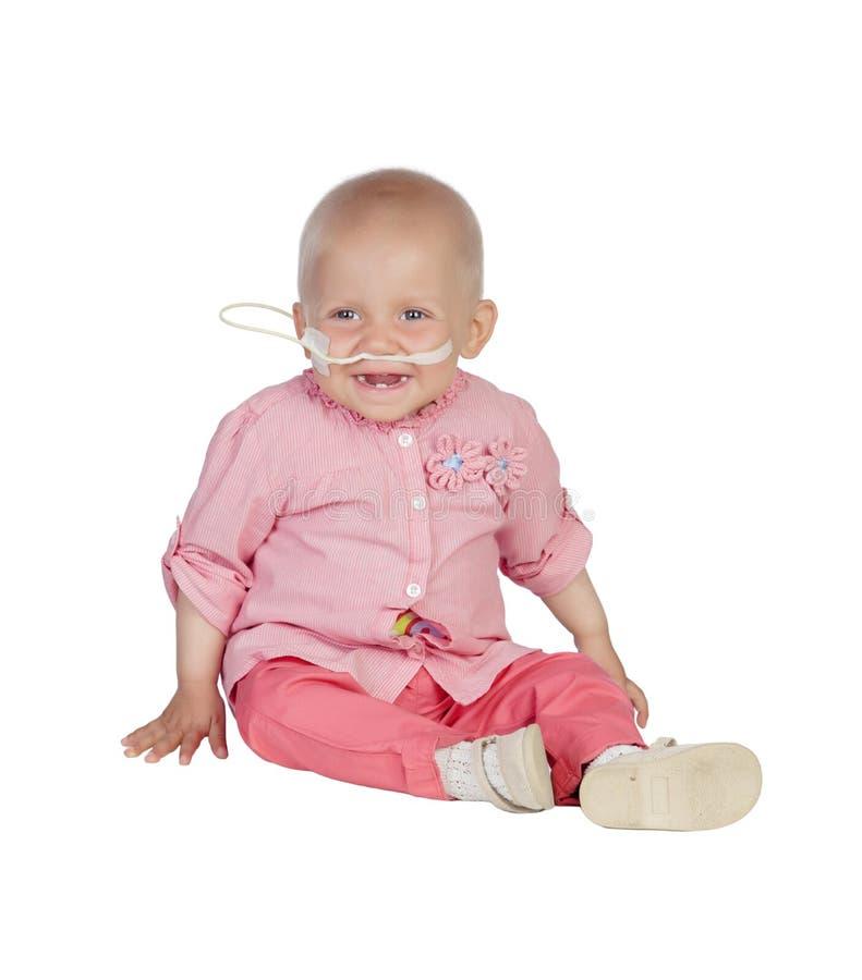 Bebê adorável sem cabelo que bate a doença imagens de stock royalty free