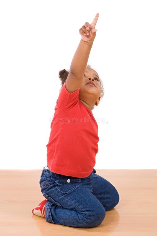 Bebê africano em joelhos imagens de stock