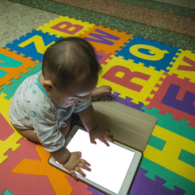Bebê asiático do menino de Cutie fotografia de stock