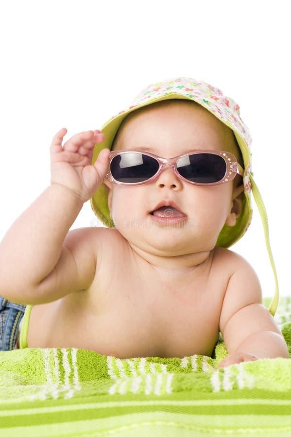 Bebê com óculos de sol fotos de stock royalty free