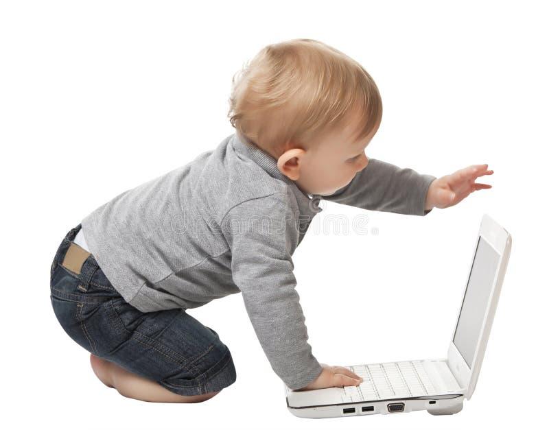 Bebê com PC fotos de stock royalty free