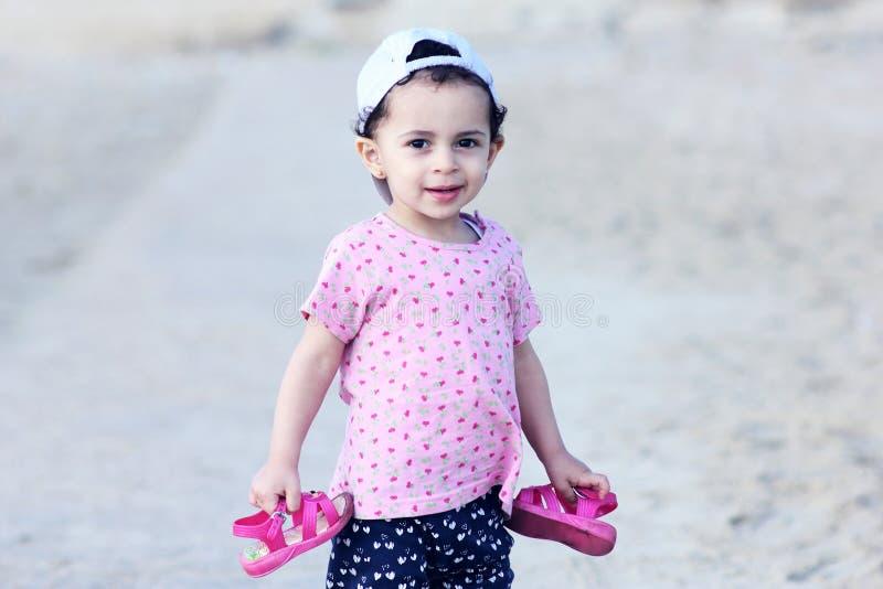 Bebê egípcio árabe feliz fotografia de stock royalty free
