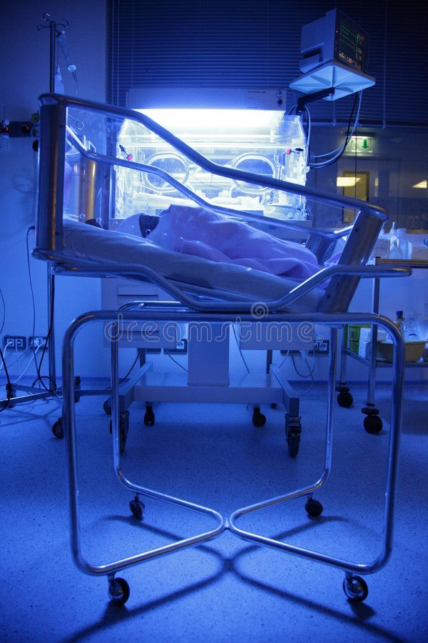Bebê em um hospital fotografia de stock royalty free