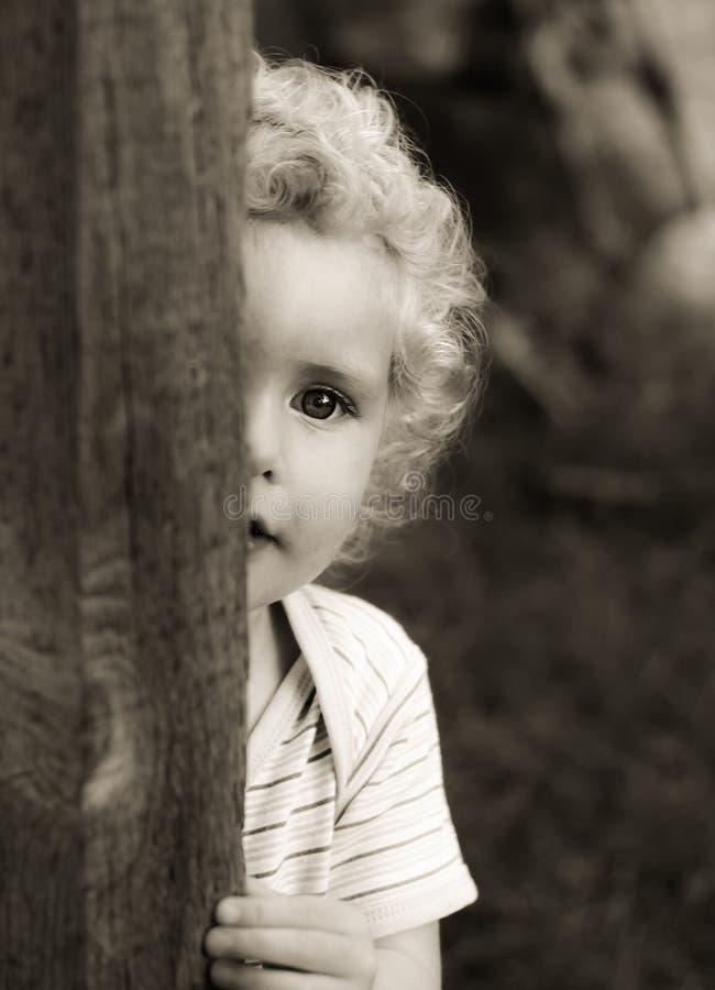 Bebê louro preto e branco fotos de stock