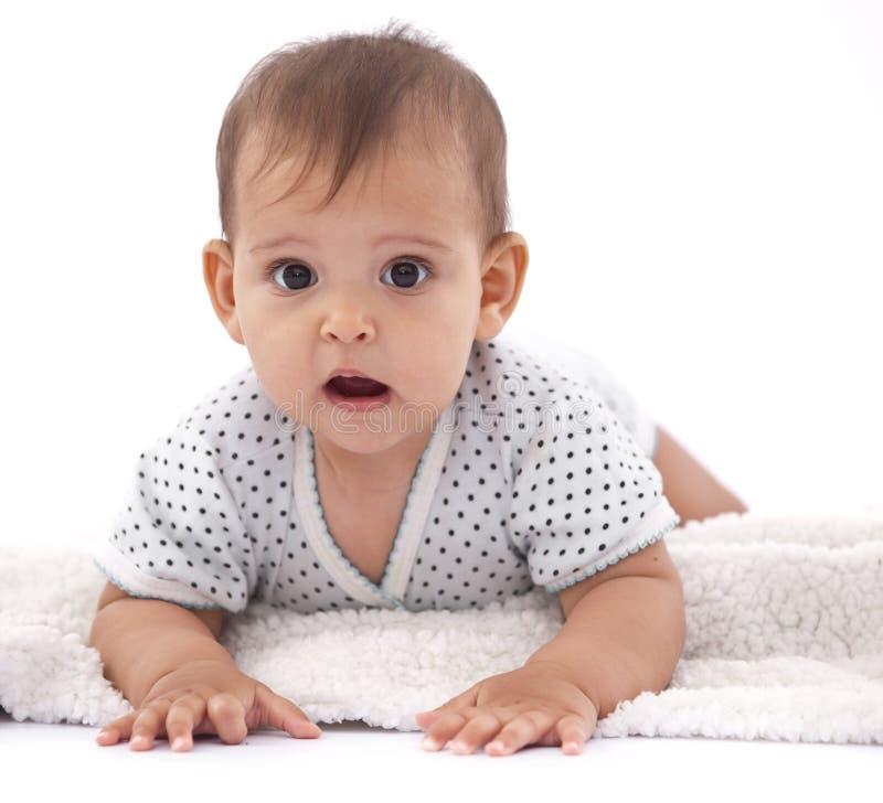 Bebê pequeno surpreendido com algo imagens de stock