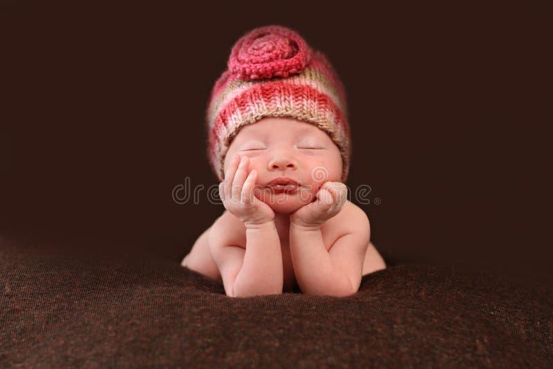 Bebê recém-nascido bonito fotos de stock