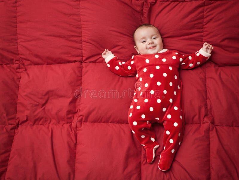 Bebê recém-nascido com terno do Natal imagens de stock