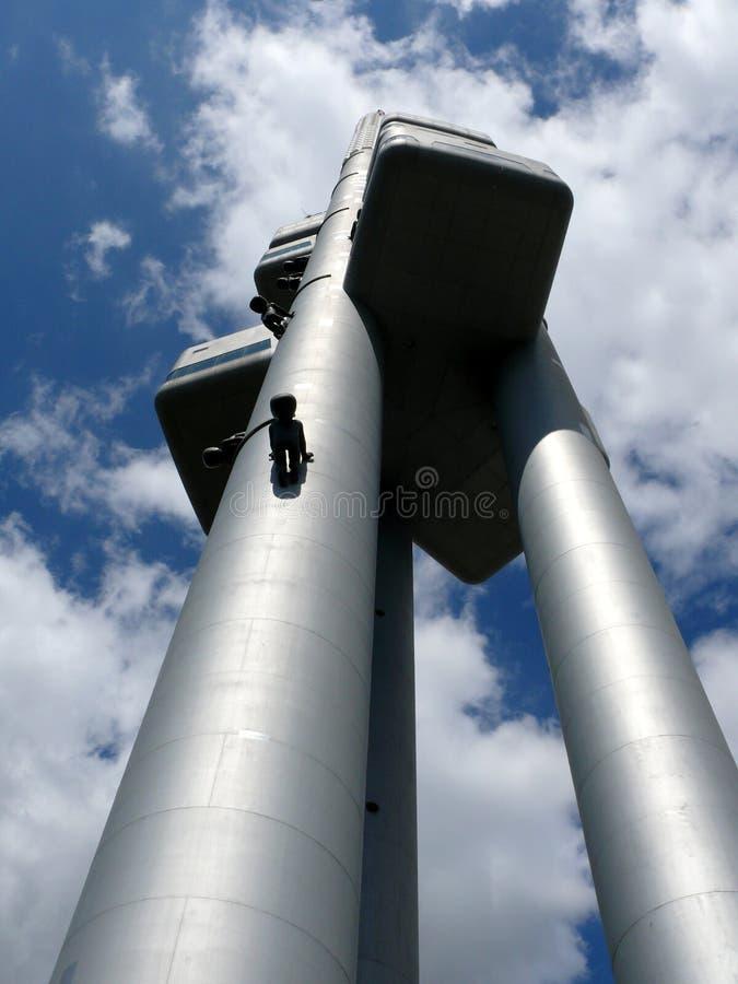 Bebês de escalada do ` s de Cerny na torre da tevê fotos de stock royalty free
