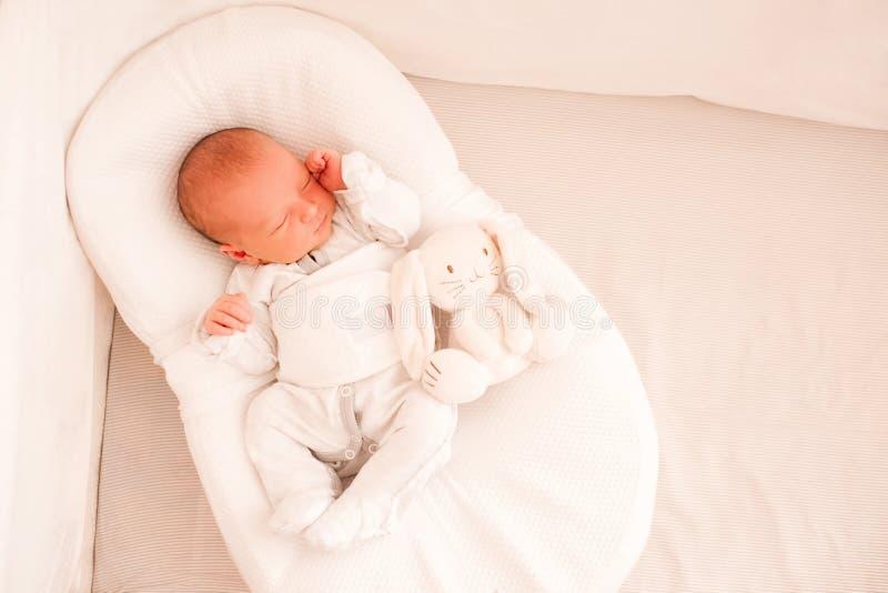 Beb? de sono imagem de stock
