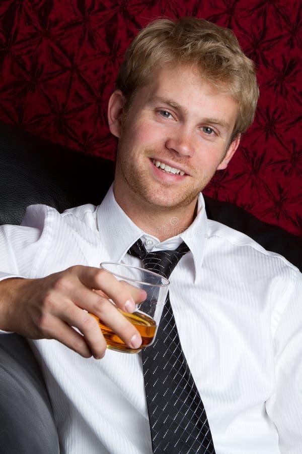 Beber do homem fotos de stock