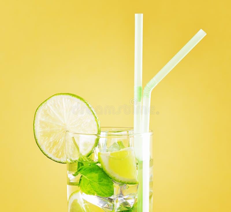 Download Bebida imagen de archivo. Imagen de licor, fruta, retro - 41920855