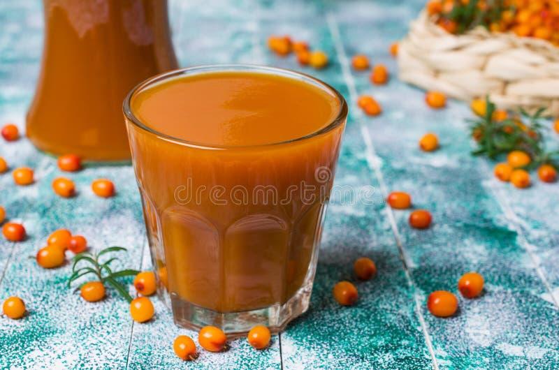 Bebida anaranjada gruesa imagen de archivo