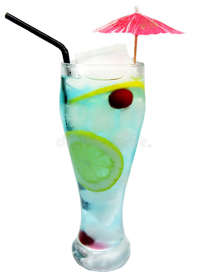 Bebida azul do cocktail de Curaçau do álcool com limão fotografia de stock royalty free