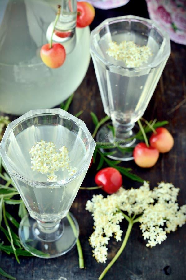 Bebida de Elderflower foto de archivo libre de regalías