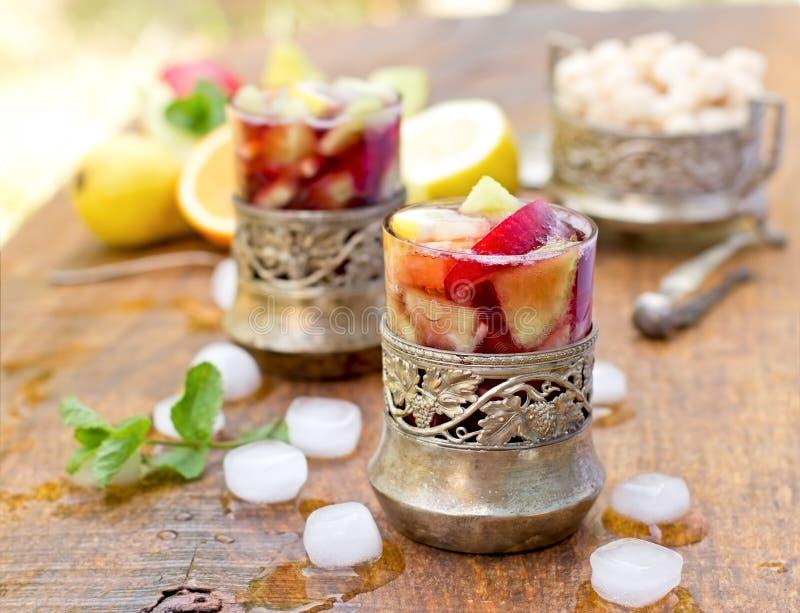 Bebida de refrescamento - sangria imagem de stock royalty free