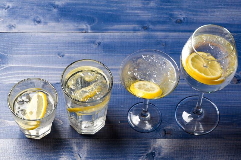 Bebida del Detox a sentir mejor Resaca y detox Detox después del partido Concepto del cuidado médico Qué a beber en la fiesta de  fotos de archivo libres de regalías