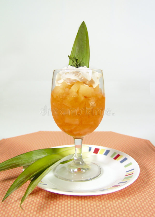 Bebida do abacaxi e do coco foto de stock