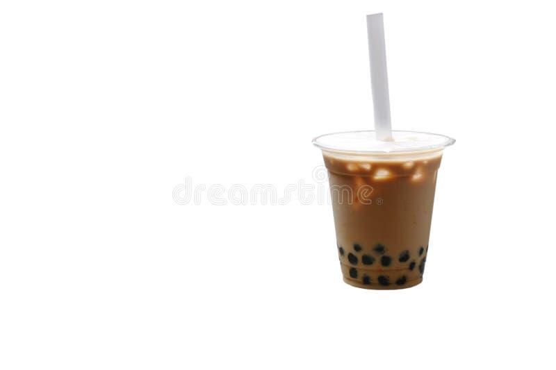 Bebida famosa do tra frio do leite da pérola da bolha em Taiwan no fundo branco imagem de stock