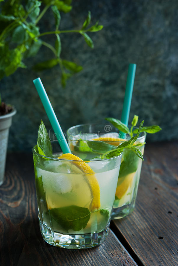 Bebida fresca de la limonada imagen de archivo