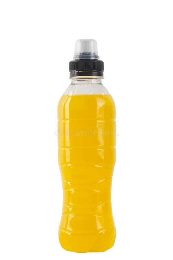 Bebida Isotonic da energia Garrafa com líquido transparente amarelo, bebida do esporte isolada em um fundo branco foto de stock