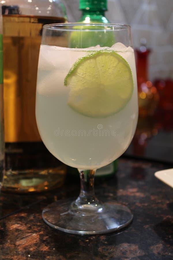 Bebida mezclada de la cal con poca grasa imagen de archivo libre de regalías