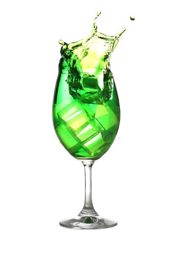 Bebida Verde Separada En Una Copa De Vino Foto de archivo - Imagen ...