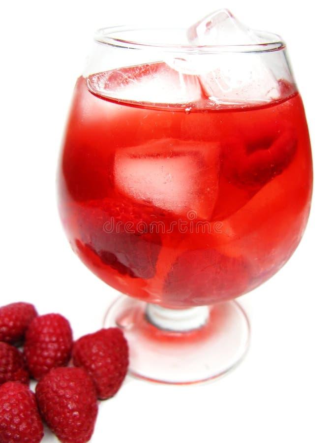 Bebida vermelha do cocktail do perfurador da fruta com framboesa fotos de stock