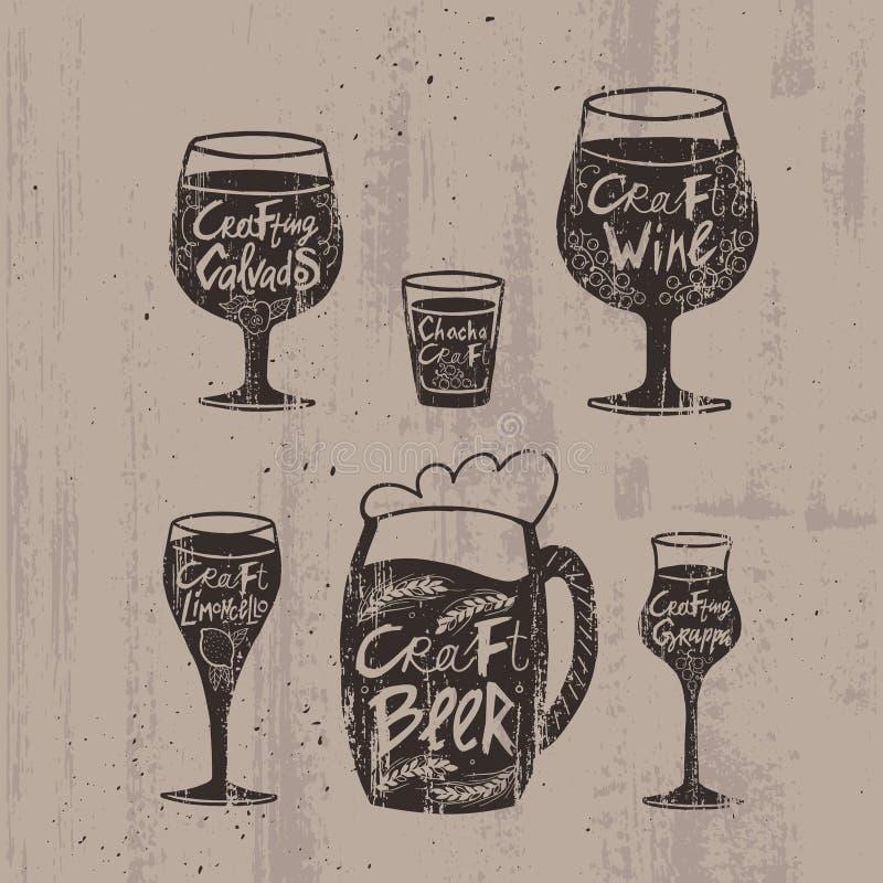 Bebidas alcoólicas tiradas mão do ofício ajustadas ilustração do vetor