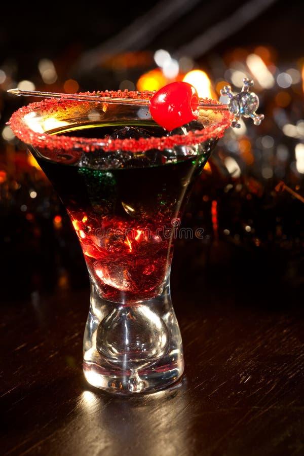Bebidas de Halloween - cocktail do sangue do diabo foto de stock royalty free