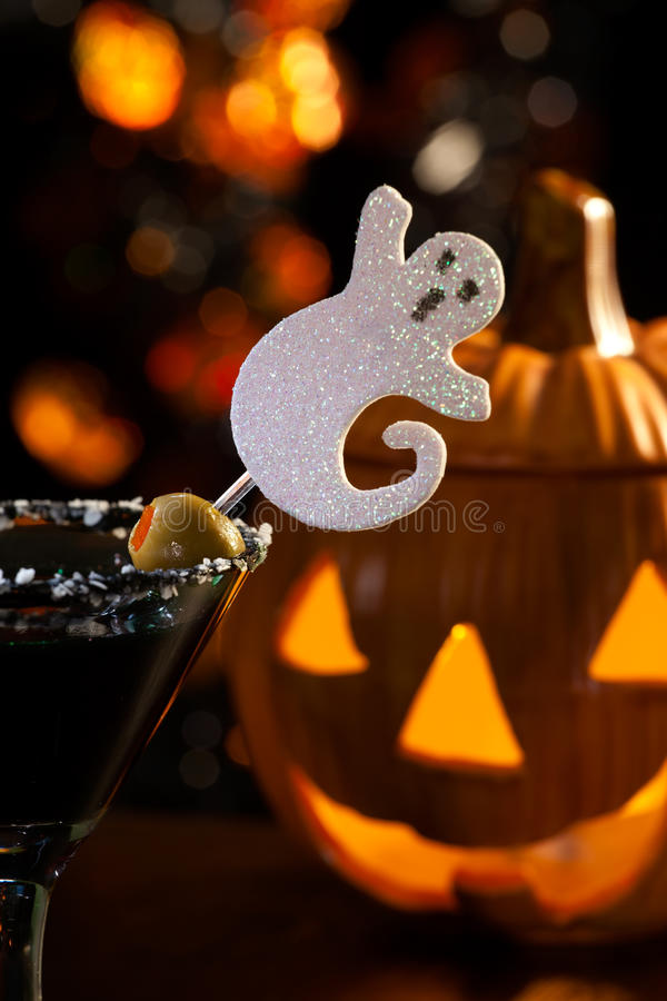 Bebidas de Halloween - Martini assustador fotos de stock royalty free