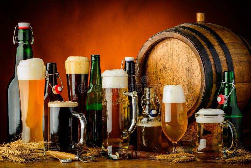 Bebidas de la cerveza imagen de archivo libre de regalías
