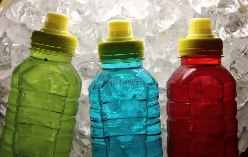 Bebidas de la energía de los deportes en el hielo foto de archivo