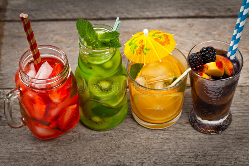 Bebidas del verano imagen de archivo libre de regalías