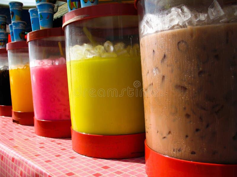 Bebidas para la venta en un mercado en malasio Borneo de Kuching fotografía de archivo libre de regalías